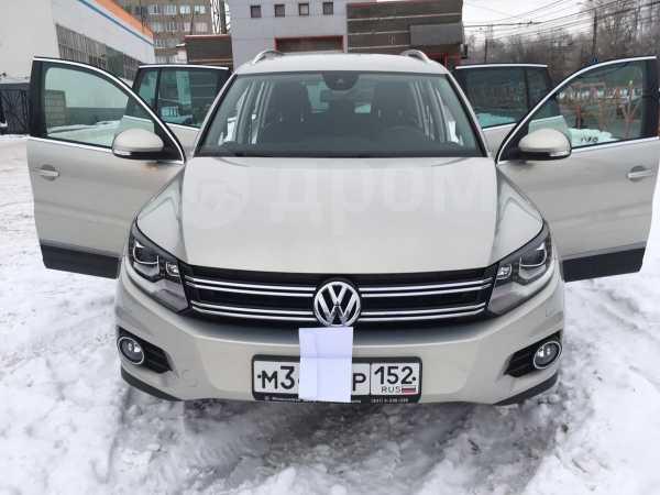 Volkswagen Tiguan, 2013 год, 1 320 000 руб.
