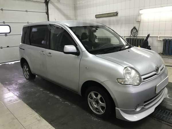 Toyota Sienta, 2004 год, 260 000 руб.
