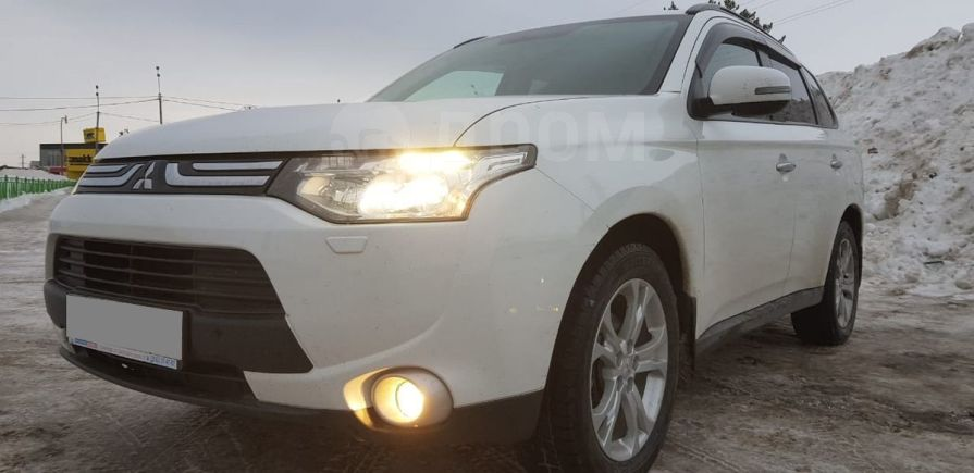 Mitsubishi Outlander, 2012 год, 965 000 руб.