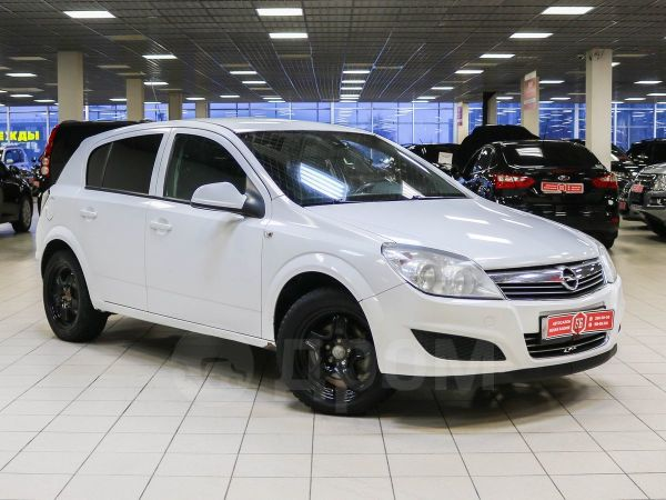 Opel Astra, 2011 год, 384 900 руб.