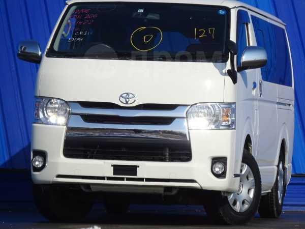 Toyota Hiace, 2015 год, 1 780 000 руб.