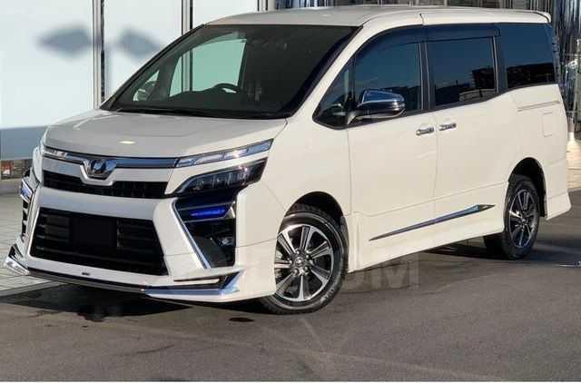 Toyota Voxy, 2018 год, 1 112 000 руб.