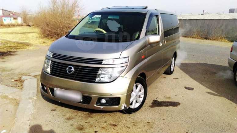 Nissan Elgrand, 2004 год, 310 000 руб.