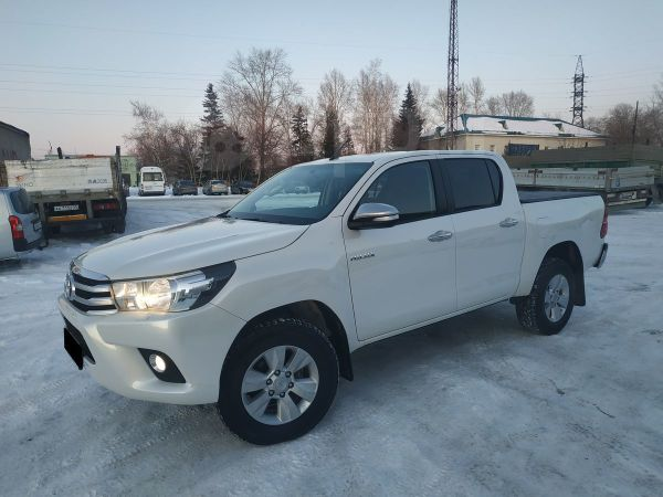 Toyota Hilux Pick Up, 2015 год, 1 570 000 руб.