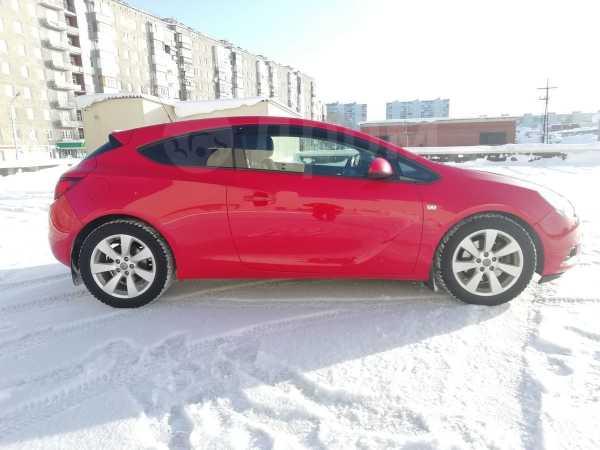 Opel Astra GTC, 2013 год, 410 000 руб.