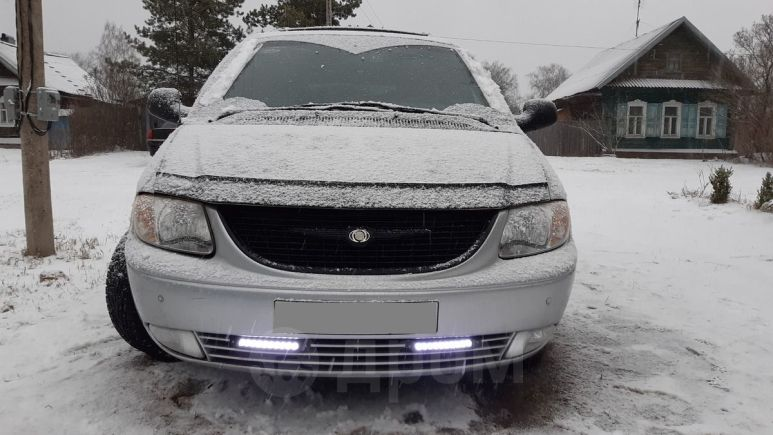 Chrysler Town&Country, 2001 год, 340 000 руб.