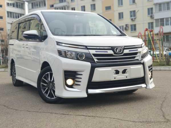 Toyota Voxy, 2015 год, 1 290 000 руб.