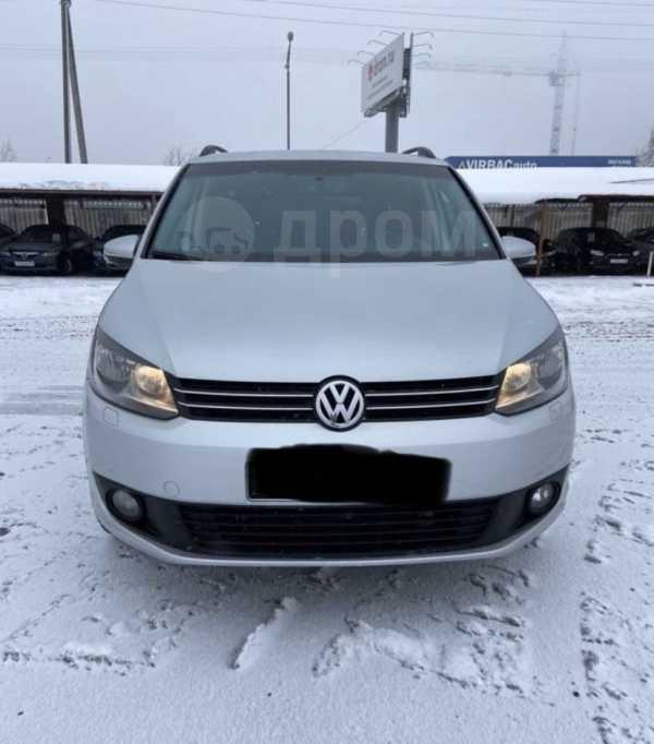 Volkswagen Touran, 2010 год, 615 000 руб.