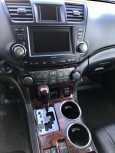 Toyota Highlander, 2012 год, 1 380 000 руб.