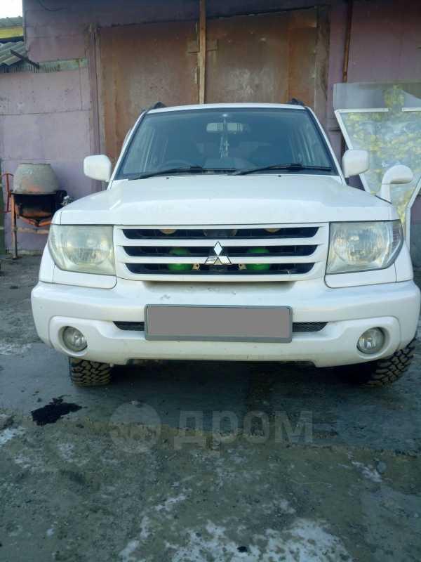 Mitsubishi Pajero iO, 2002 год, 440 000 руб.