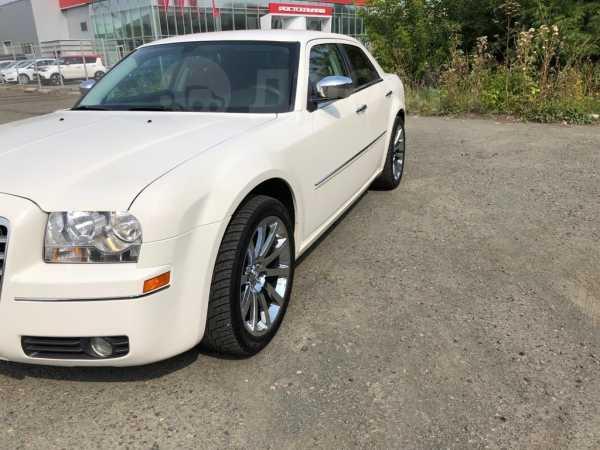 Chrysler 300C, 2010 год, 900 000 руб.
