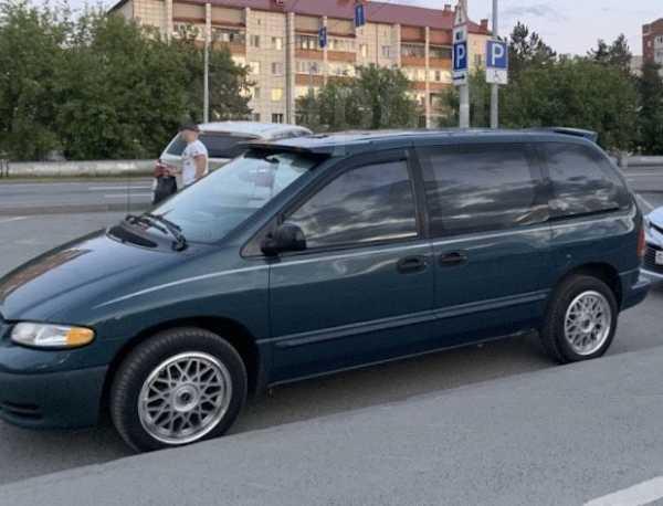 Chrysler Voyager, 1999 год, 275 000 руб.