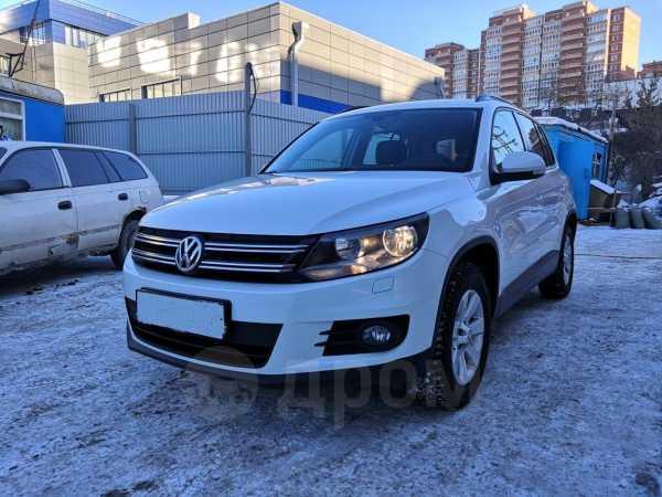 Volkswagen Tiguan, 2013 год, 740 000 руб.