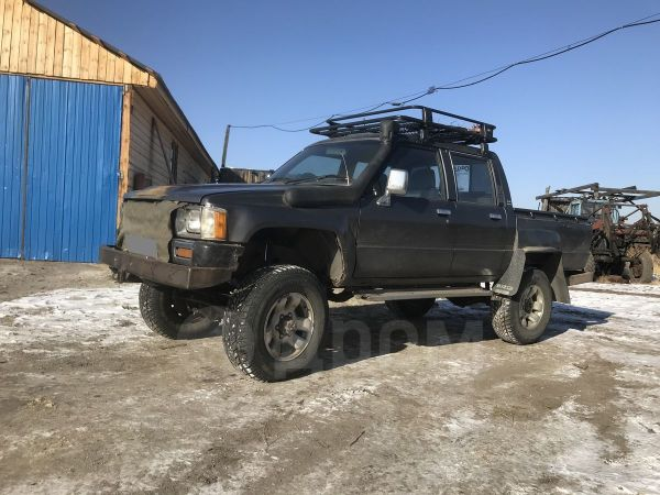 Toyota Hilux Pick Up, 1988 год, 385 000 руб.