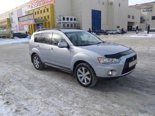Mitsubishi Outlander, 2011 год, 835 000 руб.