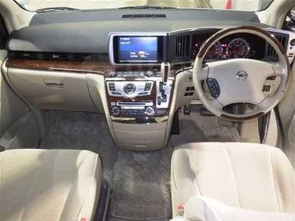 Nissan Elgrand, 2009 год, 520 000 руб.