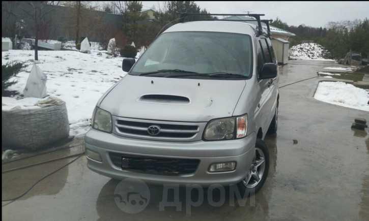 Toyota Town Ace Noah, 1999 год, 230 000 руб.