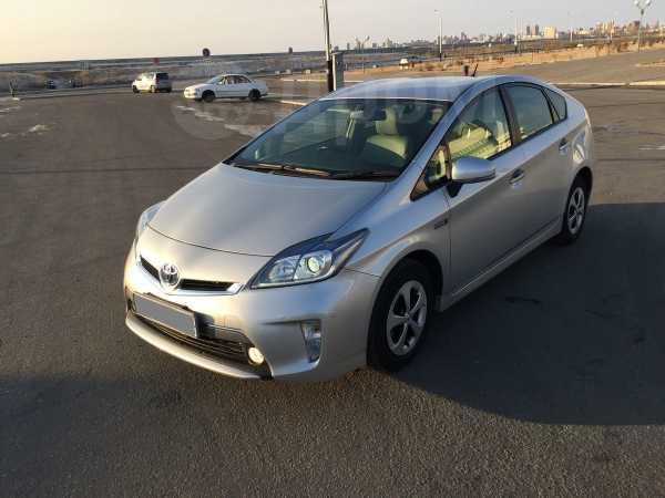 Toyota Prius PHV, 2012 год, 935 000 руб.
