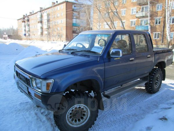 Toyota Hilux Pick Up, 1989 год, 550 000 руб.