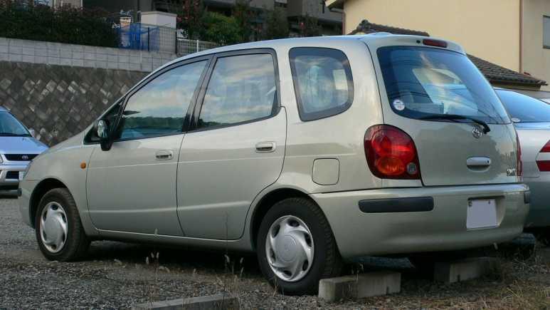 Toyota Corolla Spacio, 1998 год, 290 000 руб.