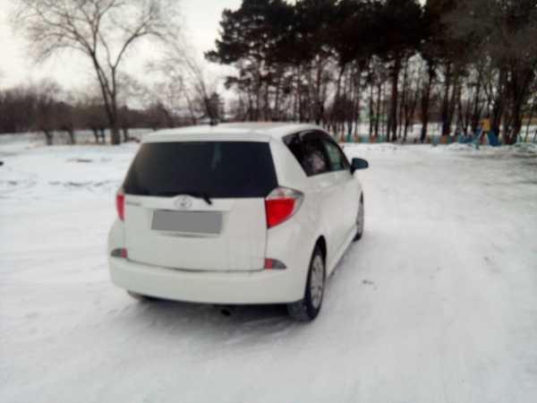 Toyota Ractis, 2010 год, 610 000 руб.
