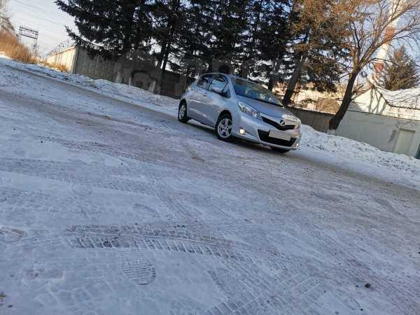 Toyota Vitz, 2011 год, 410 000 руб.