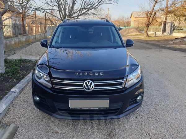 Volkswagen Tiguan, 2012 год, 610 000 руб.