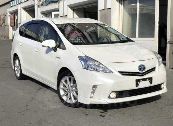 Toyota Prius a, 2013 год, 925 000 руб.