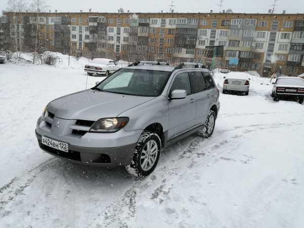 Mitsubishi Outlander, 2004 год, 490 000 руб.