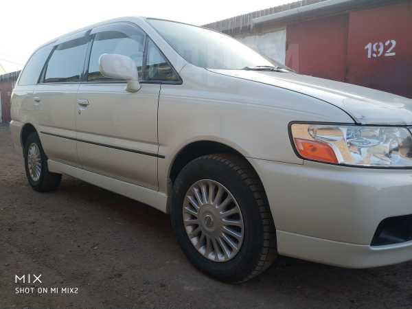 Nissan Bassara, 2001 год, 355 000 руб.