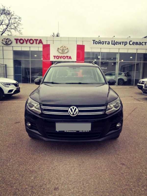 Volkswagen Tiguan, 2014 год, 740 000 руб.