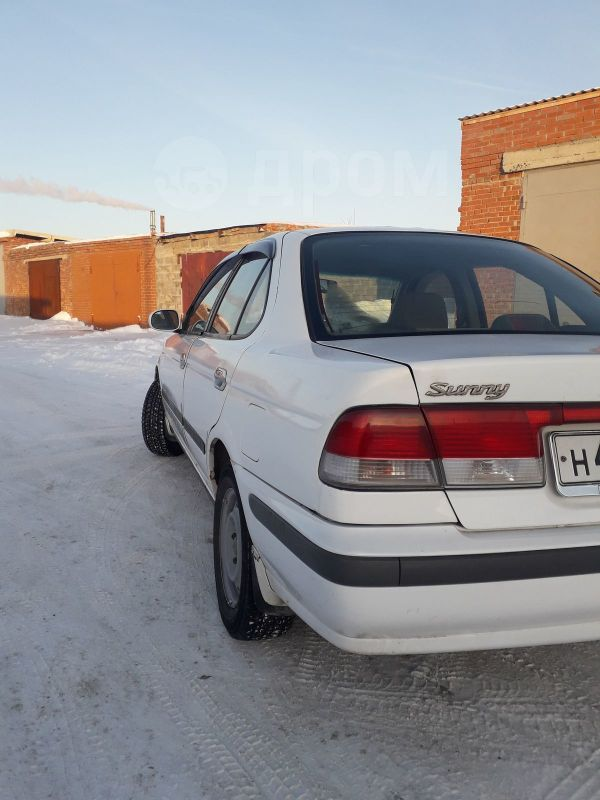 Nissan Sunny, 2001 год, 300 000 руб.