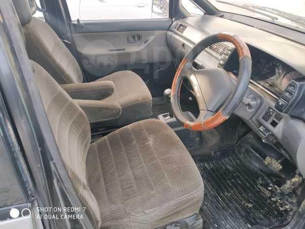 Nissan Prairie, 1989 год, 70 000 руб.
