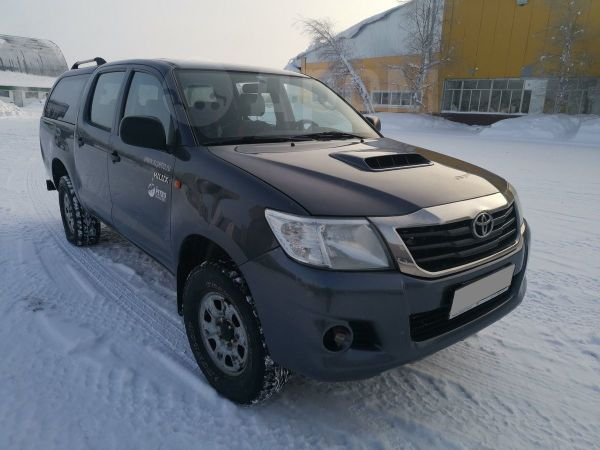 Toyota Hilux Pick Up, 2012 год, 700 000 руб.