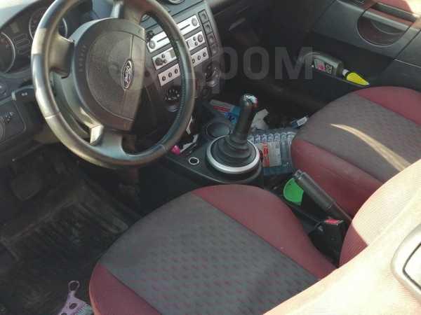 Ford Fiesta, 2004 год, 185 000 руб.