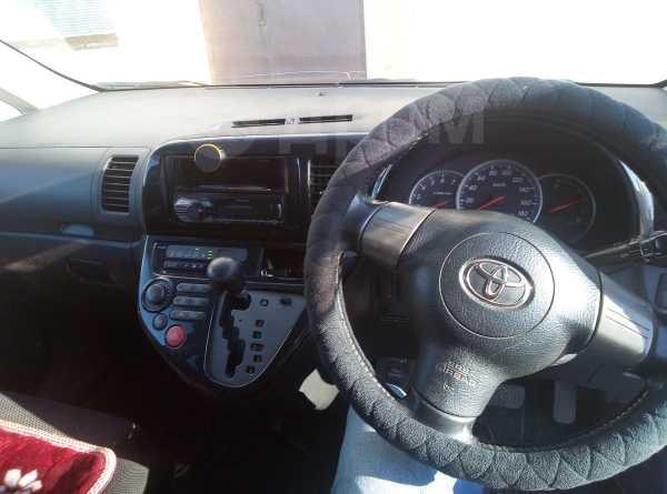 Toyota Wish, 2003 год, 580 000 руб.