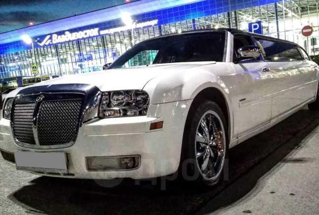 Chrysler 300C, 2005 год, 940 000 руб.