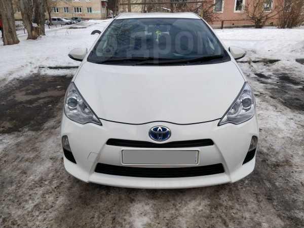 Toyota Aqua, 2013 год, 620 000 руб.