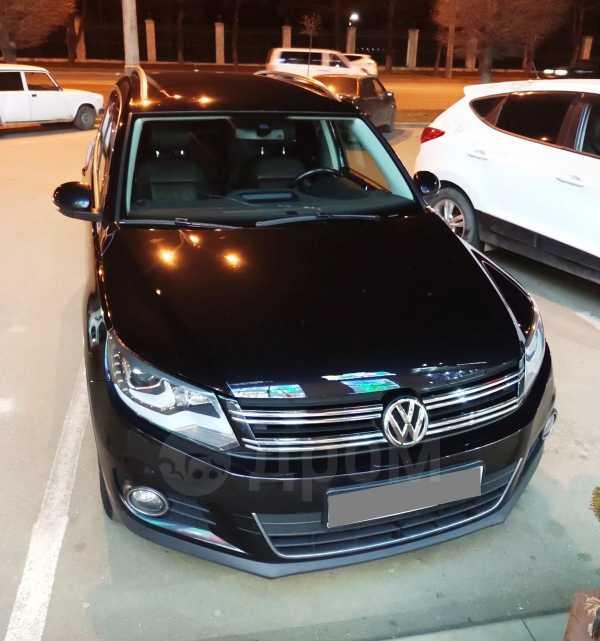 Volkswagen Tiguan, 2013 год, 859 000 руб.