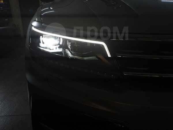 Volkswagen Tiguan, 2018 год, 2 250 000 руб.
