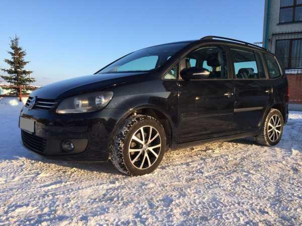 Volkswagen Touran, 2012 год, 690 000 руб.