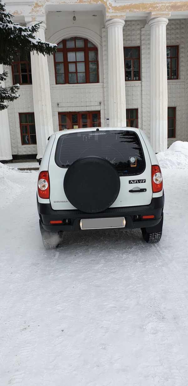 Chevrolet Niva, 2015 год, 335 000 руб.