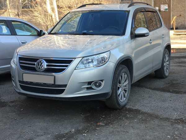 Volkswagen Tiguan, 2011 год, 590 000 руб.