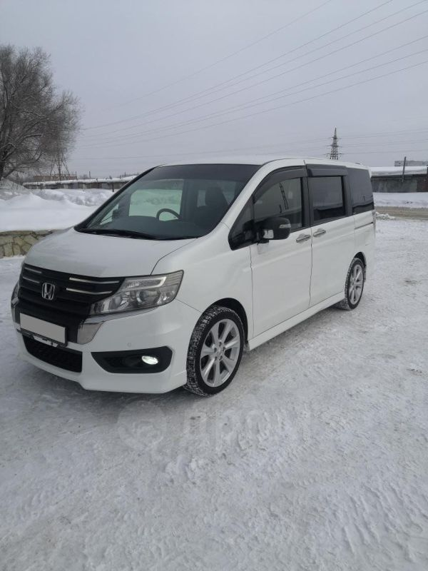 Honda Stepwgn, 2012 год, 1 140 000 руб.