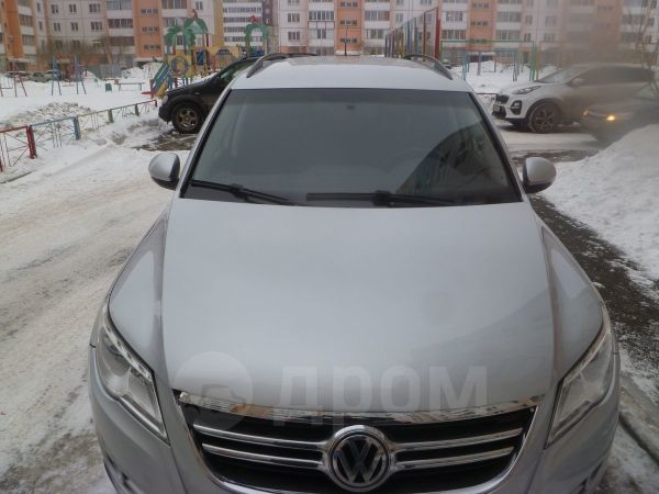 Volkswagen Tiguan, 2010 год, 550 000 руб.