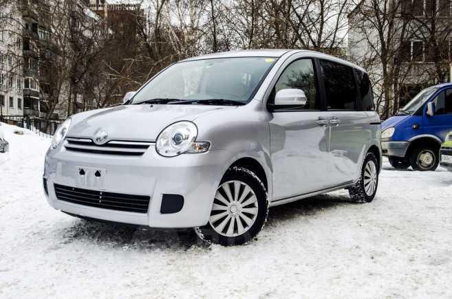 Toyota Sienta, 2015 год, 710 000 руб.