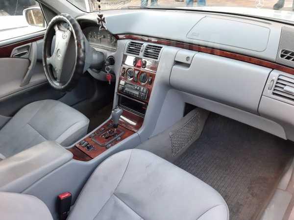 Mercedes-Benz E-Class, 2000 год, 260 000 руб.