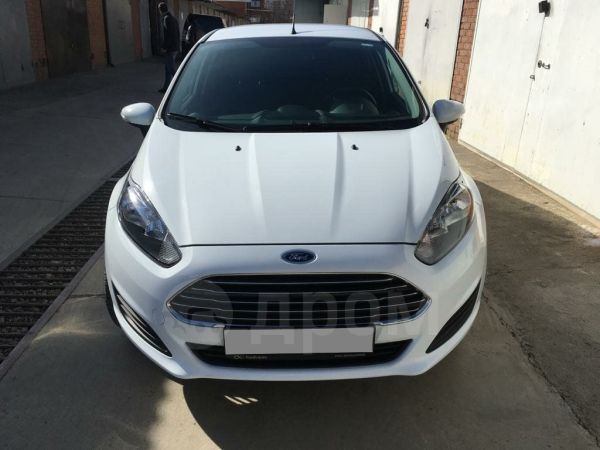 Ford Fiesta, 2015 год, 525 000 руб.