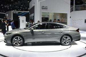У седана Hyundai Sonata появилась длиннобазная версия