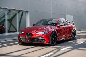 Alfa Romeo Giulia GTA оказалась быстрее BMW M3